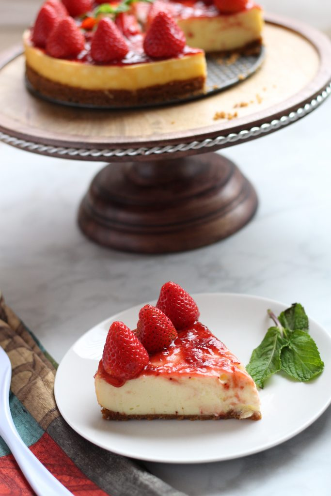 easy strawberry cheesecake slice